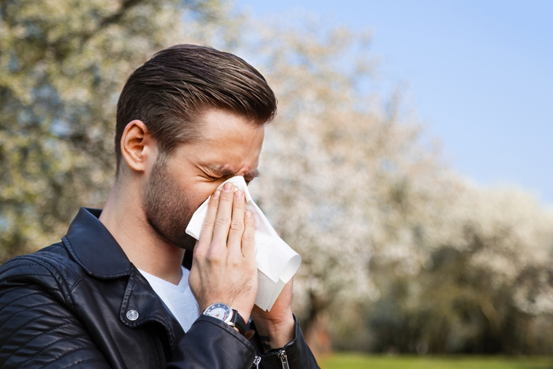 Giving your nasal passage a cleanse can provide seasonal allergy relief